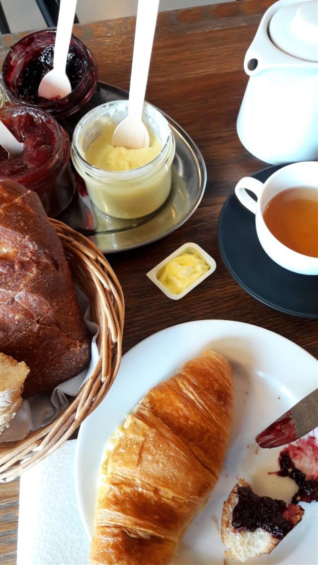 #breakfast #frenchbrekfast #french #yummy #rolls #croissant #lovelymorning 😍😋🥖🥐   #freetoedit