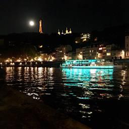 lyon city citylights night festivalstreetfood freetoedit
