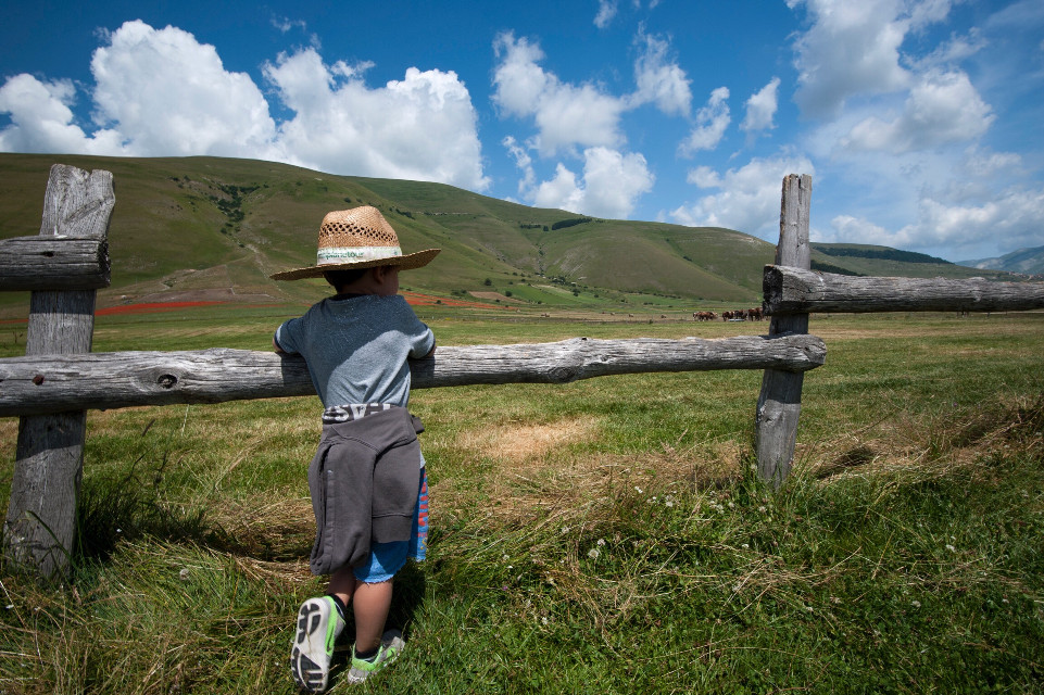 Contemplation #skyporn #landscape #photography #travel #campagna #kid #beautifull #nature #italy