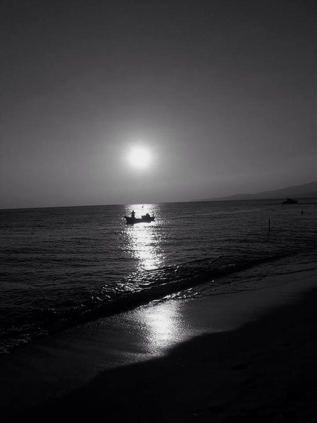 #freetoedit #blackandwhite #myphoto       #Phosphorescence #boat #fishing