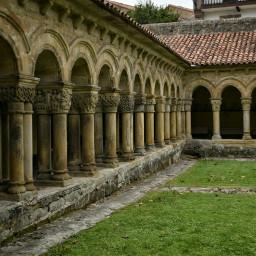 claustro colegiata