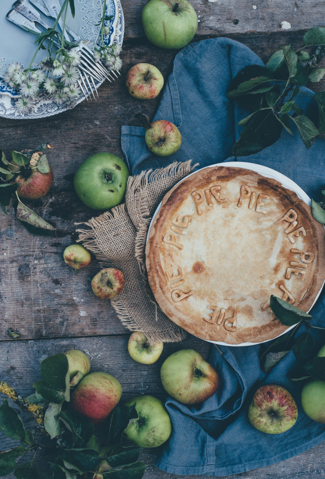 Your creativity has no limits. Try remixing this image!	 Unsplash (Public Domain) #pie #food #autumn #thanksgiving #freetoedit