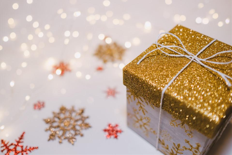 Your creativity has no limits Unsplash (Public Domain) #presents #christmas #background #backgrounds #freetoedit