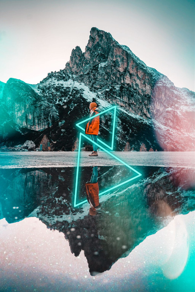 Never underestimate the power of NEON💥 Edit by @inessbrown #neon #triangle #upsidedown #bokeh #freetoedit