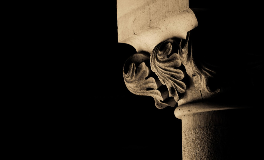 Castillo de Almodóvar . . #andalucía #photography #city #art #córdoba #lightroom #lightroomphotography #lightroomedits #city #LaCulturaEnCórdobaNoSePara #freetoedit #castle #sepia #stone #column