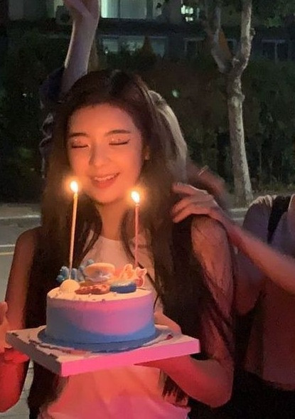 HAPPY BIRTHDAY TO MY CUTE BEST FRIEND @lia_itzyy.I AM SO HAPPY FOR YOU LIA.HOPEFULLY TODAY YOU HAD FUN WITH ME AND OTHERS....YOU ARE LOOKING GREAT TODAY.MAY YOU HAVE MORE AWESOME BIRTHDAYS LIKE THIS.🎐🎐🎀SARANGHAE🎀   MEMBERS☟︎︎︎ @official_hitomi  @official_sakura  @official_chaeyeon  @official_wonyoung  @eunbi__official  @hyewon-izone  @official_yena  @official_yurii   ITZY @lia_itzyy 💕💕 @yuna_itzyy  @ryujin_itzyy  @chaeryeong_itzyy  @yeji_iitzy   BLACKPINK @chaeyoung_official  @jenniekim_official  @kimjisoo_official  @lalalisa_official    RED VELVET @yeriimiese  @_imyour_joyy  @rrenebaebae  @ttodayis_wendy  @hi_sseulgi_    BTS @rm_bighit_ent  @taehyung_bighit_ent  @jimin_bighit_ent  @suga_bighit_ent  @jin_bighit_ent  @jungkook_bighit_ent  @jhope_bighit_ent   MAMAMOO @mo__onbyul  @_mariahwasa_  @whee_inthemood_   EVERGLOW @official_aisha  @sihyeon_official  @mia-supportbot  @onda__everglow  @_park_jiwoo    TWICE @tzuyu_twicejyp  @chaeyoung_twicejyp  @dahyun_twicejyp  @mina_twicejyp  @sana_twicejyp  @momo_twicejyp  @jeongyeon_twicejyp  @nayeon_twicejyp  @jihyo_twicejyp    SOLOISTS @_somsomi0309  @_dlwlrma_  @chungha__official   YG MODEL @beautiful_ella   GINI UNNIE @gini_ss2_    MIZ*ONE @yuyakpop @i_am_zoo @jxck_rps @bts_fb @strawberrykiwi_mix @strawberrychii- @meli_whit_luv @aaaaaariii_k-kiss @yiren-supportbot @lee_jeon @kim----kim @ayaamraoui2 @_flower_kei @helloula @official_yeon @kim_hyeon_joong @heyxon @meyoning03 @94_j_a @your__devil @buttrecup    🎀SARANGHAE🎀  ONCE AGAIN HAPPY BIRTHDAY TO MY BEST FRIEND LIA @lia_itzyy 💕💕💕😉