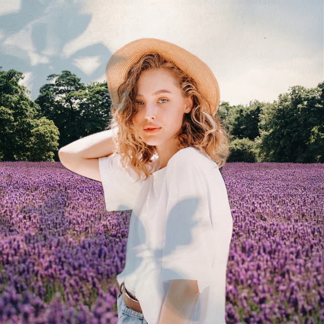 What? Frolicking through a lavender field wasn't on your to-do list? 📝 Now it is! 😊🌸➡️ Change your background with the Fit Tool in seconds 🙌 #backgroundchange #squarefit #shadowmasks #lavender #lavenderfield #freetoedit