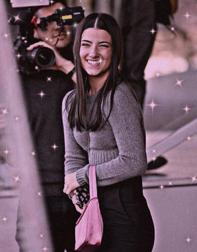 @glamourbycharli es de ella el edit así que vallan a seguirla!!!!!