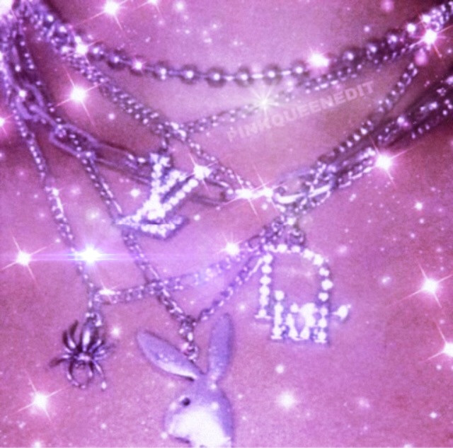 #vintage #glamcore #bling #necklace #sparkle i am aware this isnt my photo i just wanted to share it to pics art