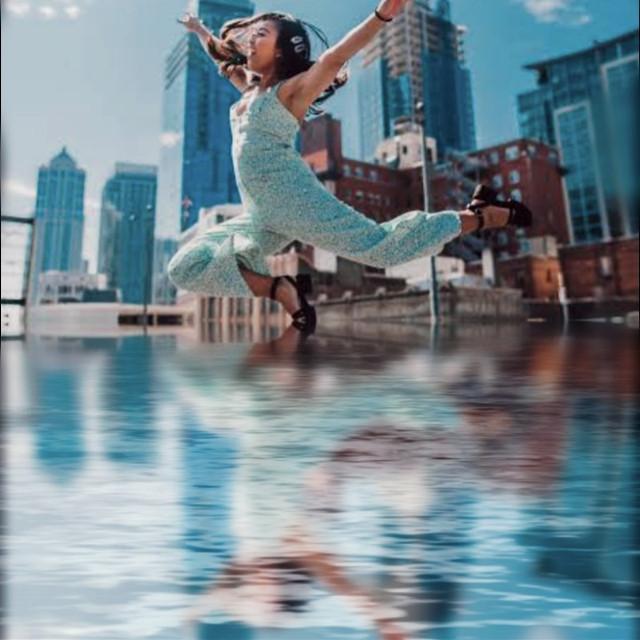 #mirror #girl #jumping #flying #blue #water #waterimage #beautiful #jumpinggirl #girljumping #picsart #remix #edit #edits