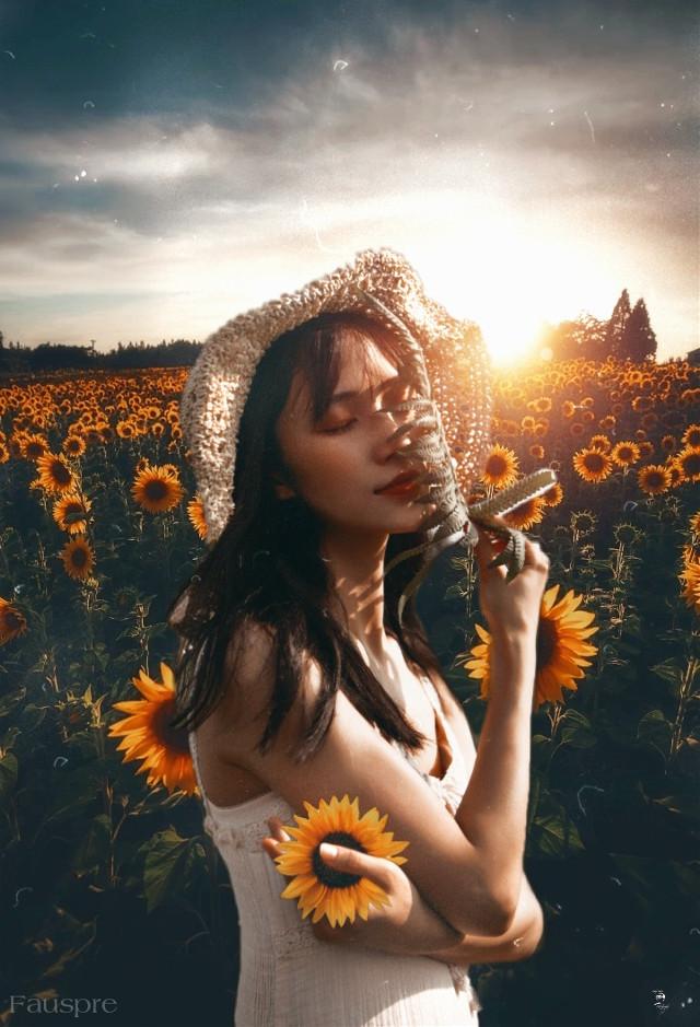 Vivir, sentir, amar... #madewithpicsart  #madebyme  #fauspre  #flower  #sunflower  #sunflowerselfie  #landscape  #love #living  #feeling  #yellow  #photography