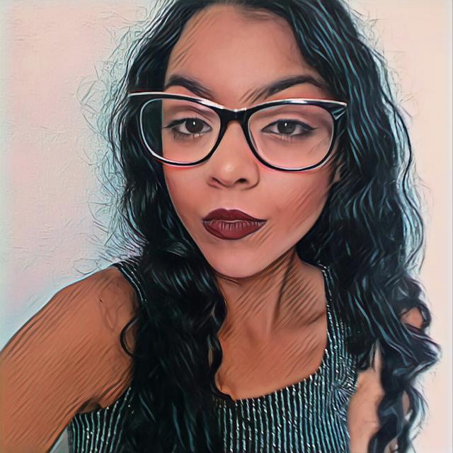 #portrait #pose #model #fashionpose #glasses #lips #makeup #eyes #beautifuleyes #prettygirl #hair #hairstyle #lovely #glamorous #loveandkisses