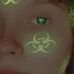 зеленый губы глаз взгляд веснушки брови белый темный freetoedit