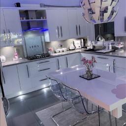 kitchen imvu room table