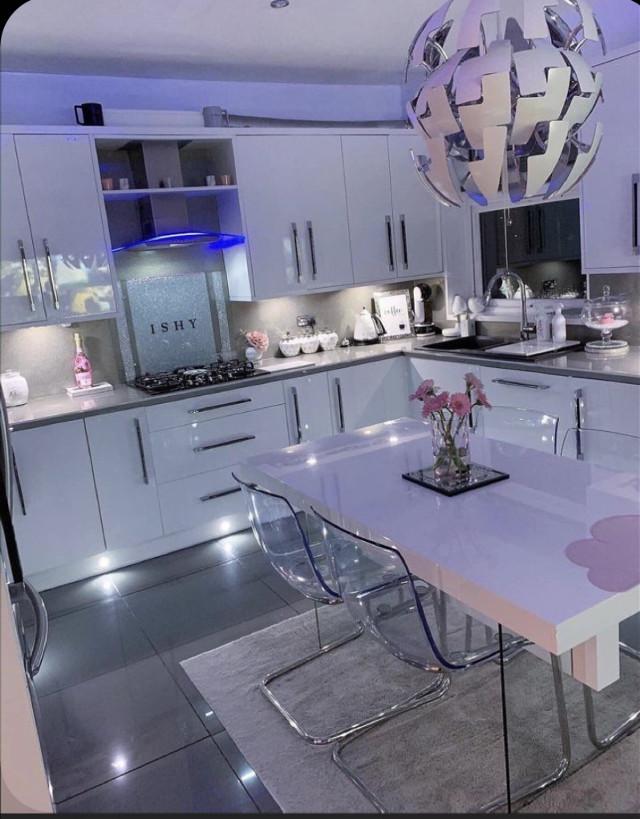 #kitchen #imvu #room #table