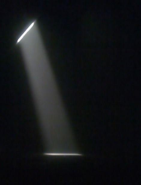 #spotlight #lightleak #light #lightning #dark #overlay #overlays #night #freetoedit #texture #shinee #shining #shine