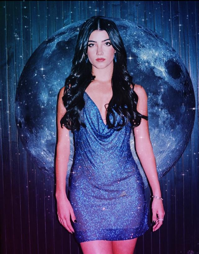 INSTAGRAM: @margo34277 YOUTUBE CHANNEL: MARGO P #freetoedit #girl #aesthetic #moon #luna #dress #glow #golden #neon #book #charlidamelio #charli  #outfit