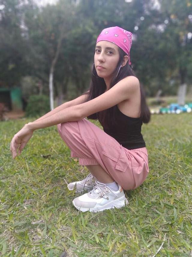 🤪 - - - #girl #selfie #fotoedit #picsart #kawaii #fotografia #picsartedit #passion #brilla✨ #arte #pink  #instagram #model #top