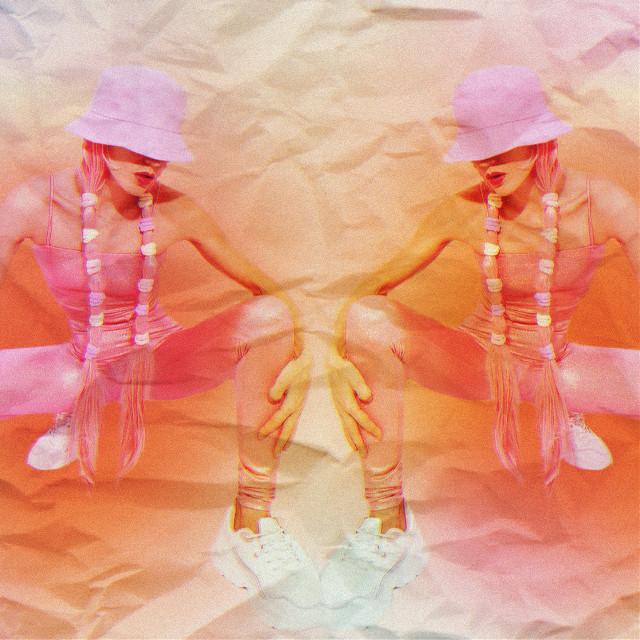 #y2k #vintage #y2kedit #y2kaesthetic #paper #papercollage #paperart #mirror #mirroreffect