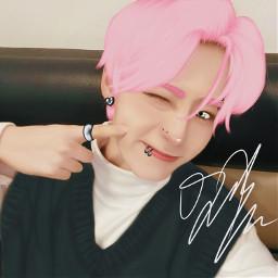 hwanwoong hwanwoongoneus oneus oneushwanwoong kpop kpopedit oneusedit kpopbg kpoponeus kpopidol pink pinkhair piercings edit cute min